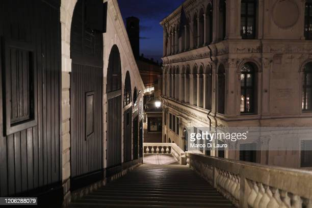 """Completely empty Rialto bridge is seen on March 9, 2020 in Venice, Italy. Prime Minister Giuseppe Conte announced a """"national emergency"""" due to the..."""