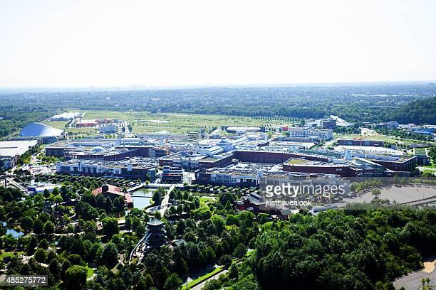 komplex mit einkaufszentrum centro oberhausen - oberhausen stock-fotos und bilder