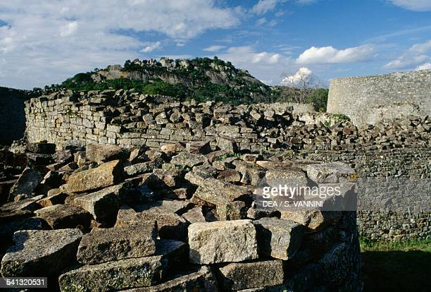 Great zimbabwe ruins stock photos and pictures getty images complex ruins on hill complex great zimbabwe zimbabwe 10th15th century sciox Image collections
