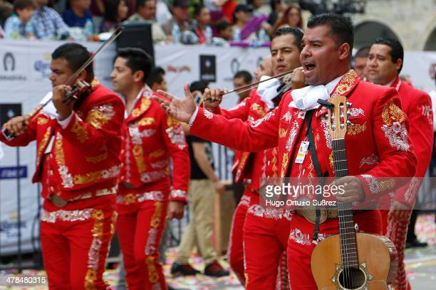 Composed of 56 contingents including 26 mariachis in countries like Costa Rica, Venezuela, Peru, Colombia, United States and Mexico, was held the...