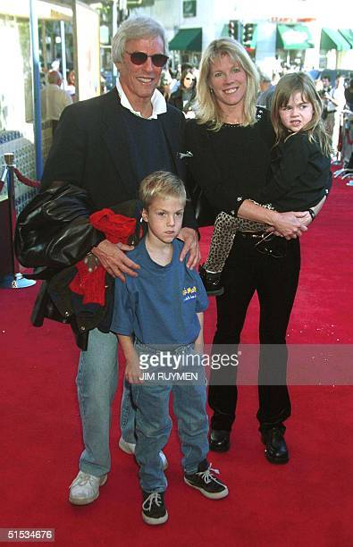 Composer Burt Bacharach and his wife Jane arrive 05 December 1999 with their two children Raleigh and Oliver at the Los Angeles premiere of the...