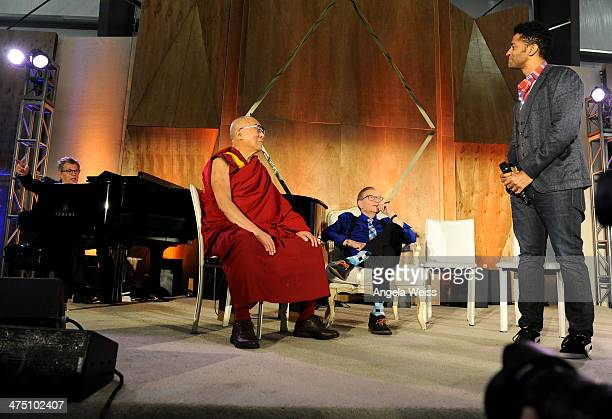 Composer David Foster His Holiness The 14th Dalai Lama Larry King and Recording Artist Eric Benet on February 26 2014 in Los Angeles California
