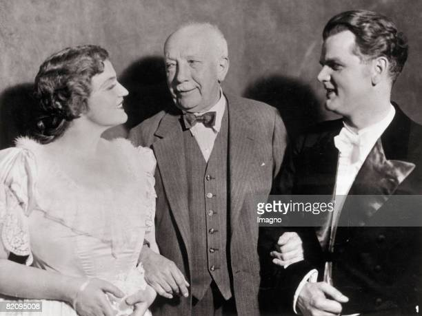 """Composer Richard Strauss with opera singers Alfred Jerger and Viorica Ursuleac at the debut performance of his opera """"Arabella"""" in the Semper Opera..."""