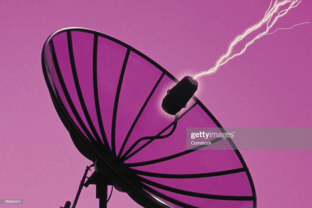 Composite of lightning bolts and satellite dish : Stockfoto