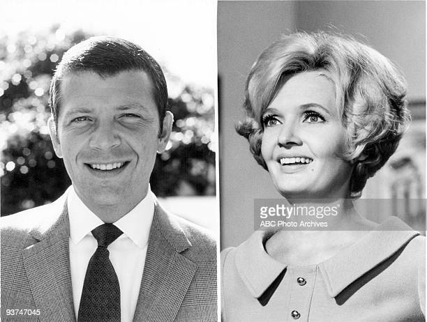 BUNCH Composite Season One 9/26/69 Widower Mike Brady the father of three sons wed Carol a widow with three daughters