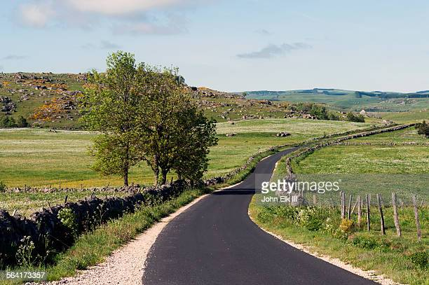 compostela pilgrimage trail and landscape - pilgrimage stock pictures, royalty-free photos & images