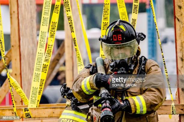 Compétition Extreme de pompiers.