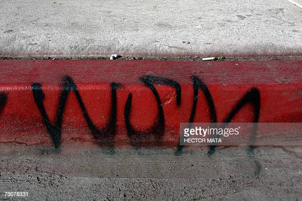 Compton, UNITED STATES: A territorial gang-related grafitti sign is seen on the streets of Compton, CA 22 January 2007, where Los Angeles Sheriff Lee...