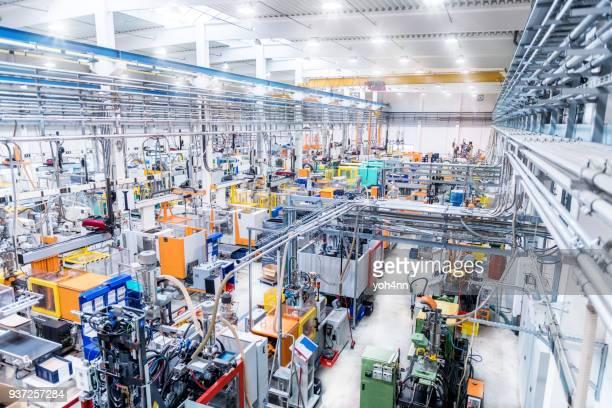 Dans l'usine de fabrication assistée par ordinateur