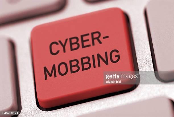 Computer Computertastatur Tastatur online Taste Tasten Cyber Mobbing CyberMobbing Internet InternetMobbing Schriftzug Schriftzüge Verbot Verbote rote...