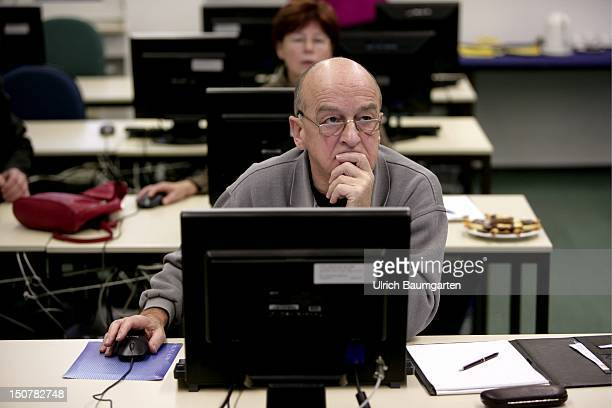Computer course for people older than 50 years