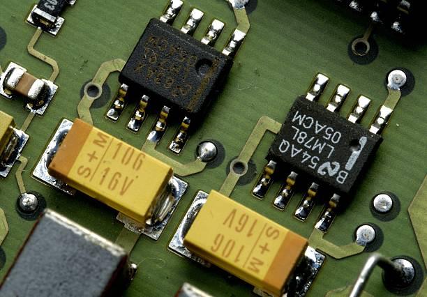 Computer - Schaltungen und Bausteine auf einer ISDN-Karte Pictures ...