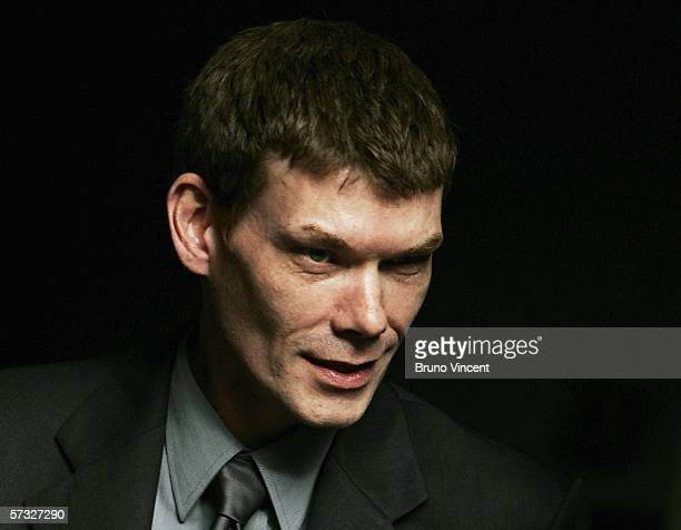 Computer hacker Gary McKinnon leaves Bow Street Magistrates on April 12 2006 in London MrMcKinnon is accused of breaking into American defence...