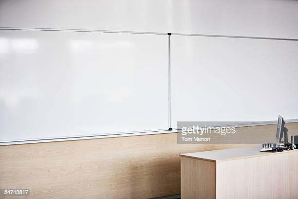 Computer in modernen Konferenzraum