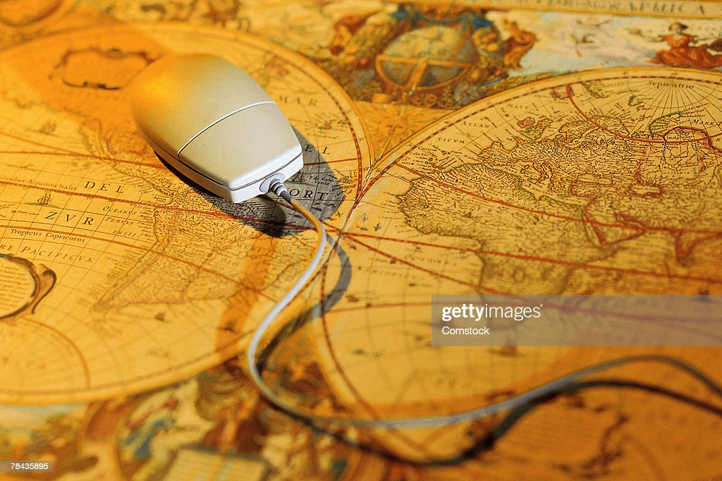Computer mouse on antique map : Stockfoto