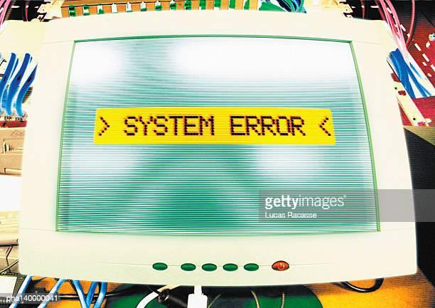computer systems error message on screen, digital composite. - foutmelding stockfoto's en -beelden