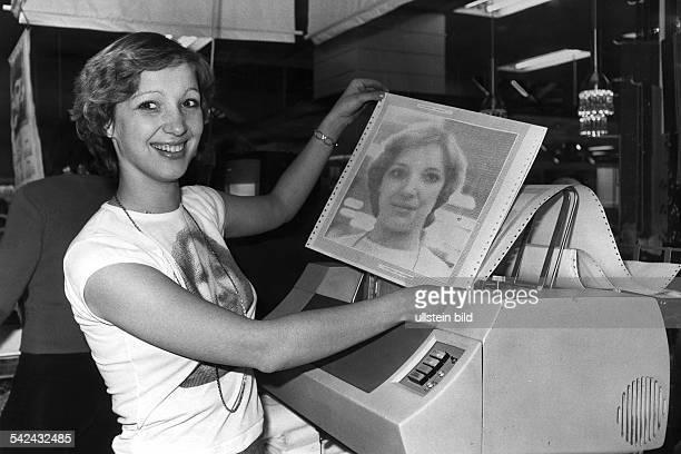 Computerausdruck eines Portraits;Verkauf im Kaufhaus Hertie in Berlin- 1978