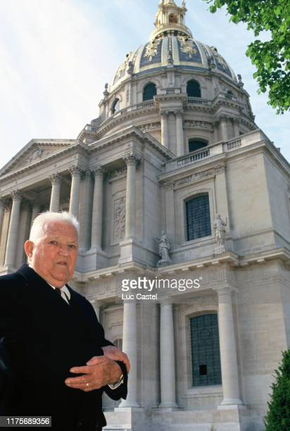 Comte Leon great grandson of emperor Napoleon attends the mass given in memory of the emperor Napoleon at Les Invalides on may 05 1993 in Paris France
