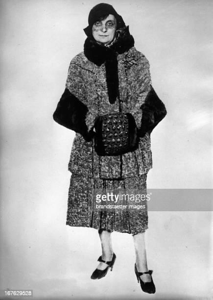 Comtesse Ana Elisabeth Noailles French writer Photograph 1931 Portrait von Gräfin Anna Elisabeth Noailles französiche Schriftstellerin Photographie...