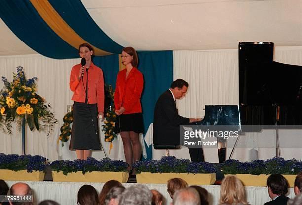 Comtesse Bettina, Comtesse Catherina;, Feier zum 90. Geburtstag von;Graf Lennart Bernadotte, Insel;Mainau/Bodensee, Flügel, Mikrofon,