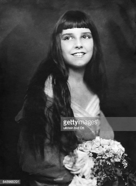 Comtesse Kata Nadasdy, Tochter von Thomas Nadasdy- undatiert veröffentlicht: Dame 4/1919