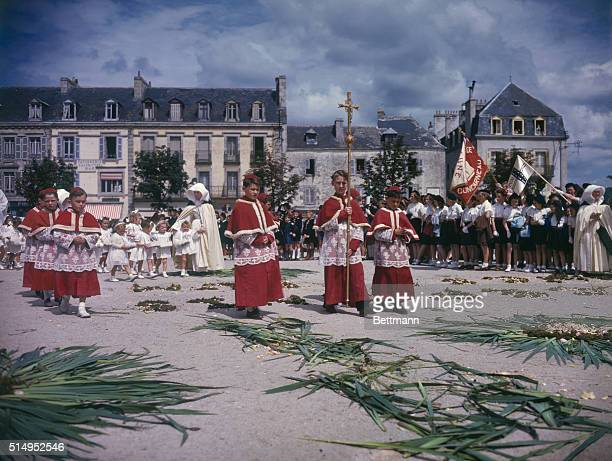 Concarneau has first communionThis picturesque village held its first communion ceremony for the youth of the city on June 1st The ceremony includes...