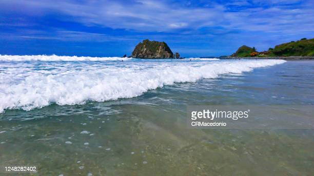 conceição beach is one of the most beatiful beaches in fernando de noronha and with an easy access - crmacedonio stock-fotos und bilder