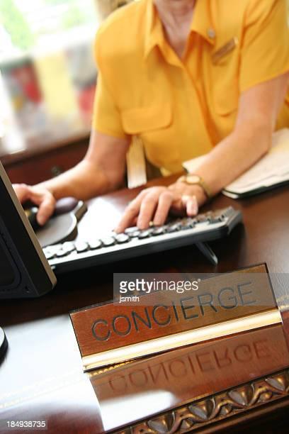 balcão de concierge - job centre - fotografias e filmes do acervo