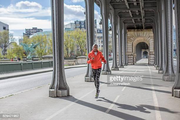 Ciblant la matinée à courir, Paris