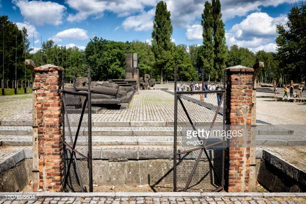 concentration camp auschwitz birkenau in oswiecim, poland - auschwitz imagens e fotografias de stock