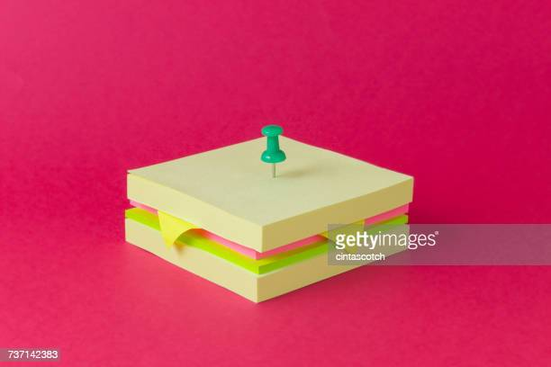 conceptual sandwich made from sticky notes - fourniture de bureau photos et images de collection