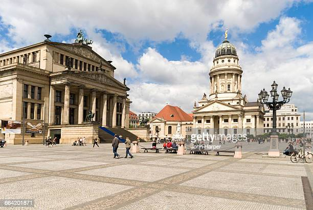 concert house and french cathedral, berlin, german - konzerthaus berlin stock pictures, royalty-free photos & images