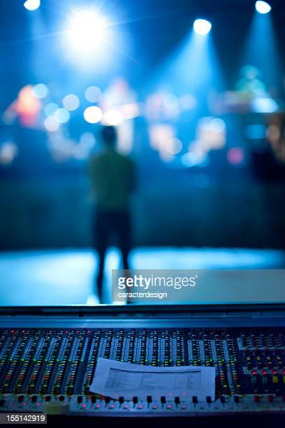 concert: music band and lighting equipment - stage set stock pictures, royalty-free photos & images