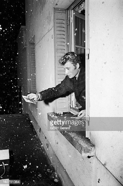 Concert Of Johnny Hallyday At The Olympia Paris du 25 octobre au 12 novembre 1962 le chanteur Johnny HALLYDAY donne plusieurs concerts dans la salle...