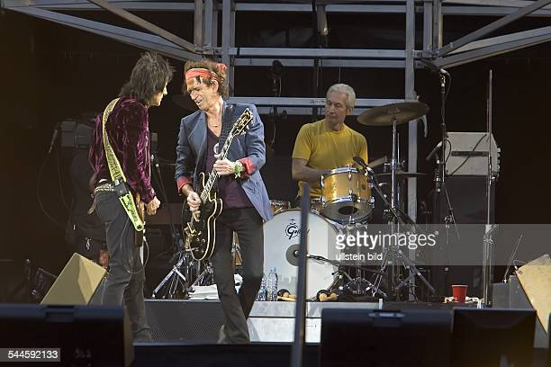 Concert of 'The Rolling Stones' in the Olympic Stadium Berlin during their 'A Bigger Bang' tour 2006 on stage guitarist Keith Richards with Ron Wood...