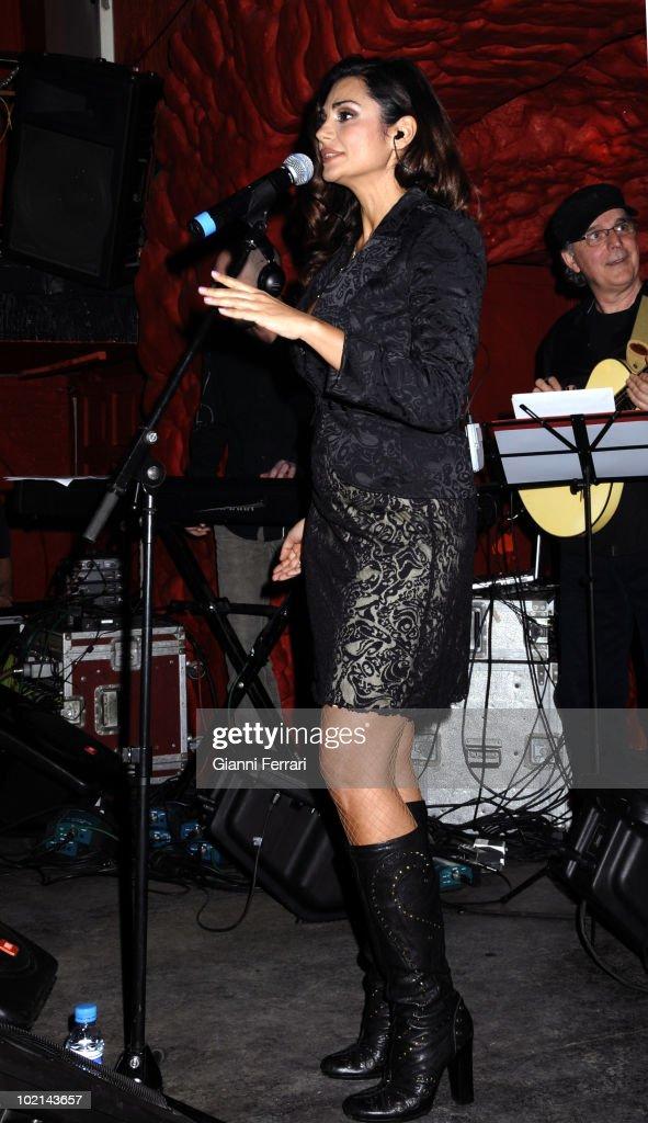 Concert of the singer Silvia Pantoja, 26th April 2009, 'Sala Polano', Madrid, Spain.