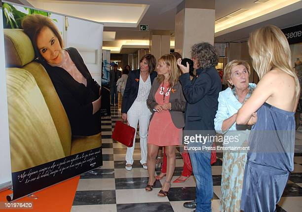 Concha Garcia Campos, Leire Pajin, Luis Malibran, Gotzone Mora and Susanna Griso attend the opening of the pictures exhibition 'Mujeres al natural'...