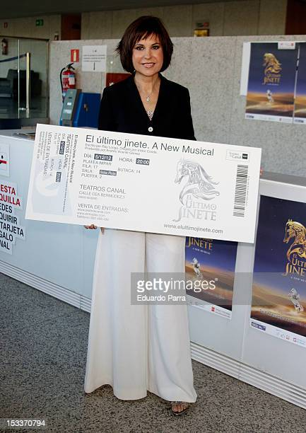 Concha Garcia Campoy buys 'El ultimo jinete' first ticket at El Canal theatre on October 4 2012 in Madrid Spain