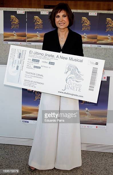 Concha Garcia Campoy receives the first 'El ultimo jinete' ticket at El Canal theatre on October 4 2012 in Madrid Spain