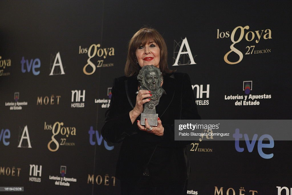 Concha Velasco holds his Honorific Award for her career during the 2013 edition of the 'Goya Cinema Awards' ceremony at Centro de Congresos Principe Felipe on February 17, 2013 in Madrid, Spain.