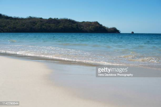 conchal beach, costa rica - playa tamarindo fotografías e imágenes de stock