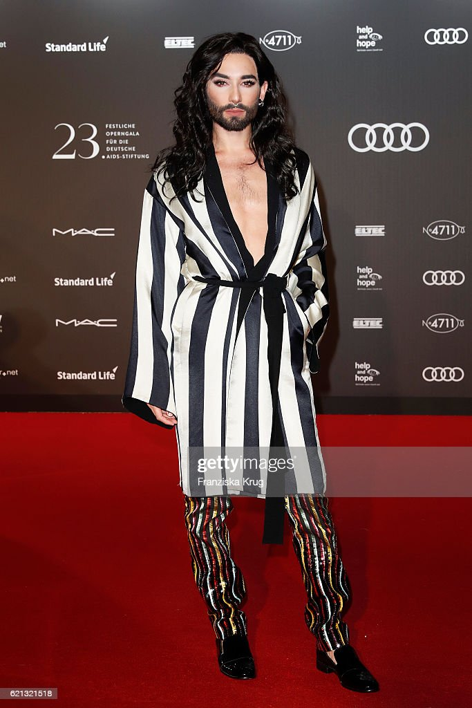 Red Carpet Arrivals - 23rd Opera Gala At Deutsche Oper Berlin : News Photo
