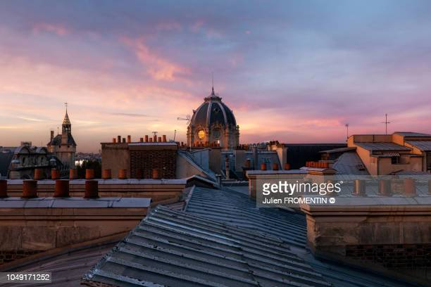 conciergerie & tribunal de commerce, paris - roof stock pictures, royalty-free photos & images