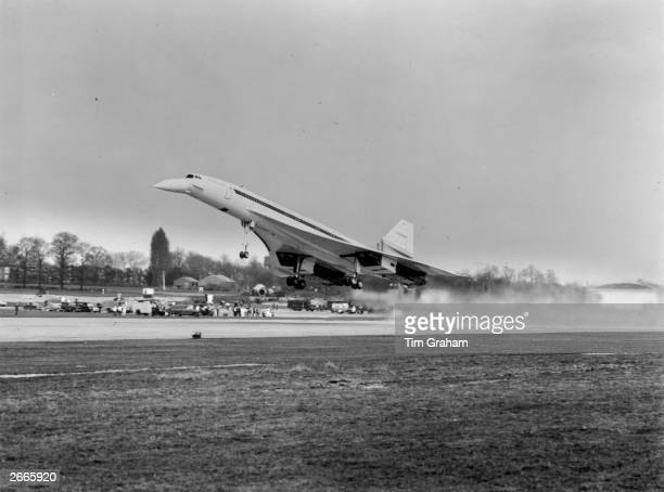 Concorde 002 taking off on its maiden flight from Filton near Bristol