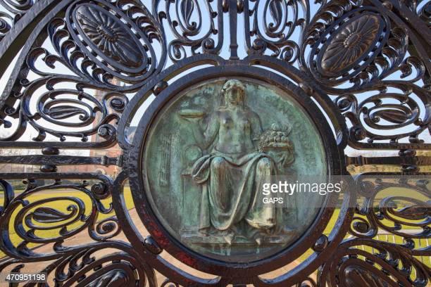 コンコーディアには、エントランスのザハーグ平和宮殿 - 国際法 ストックフォトと画像