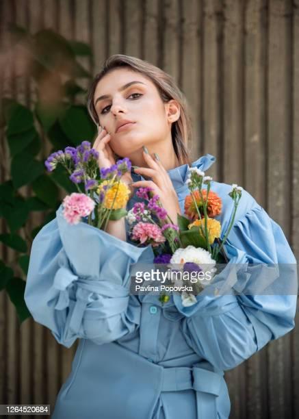 concreto e flores - editorial - fotografias e filmes do acervo