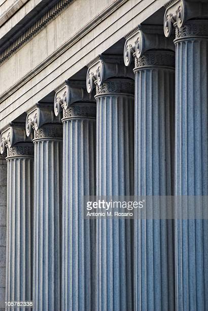 concrete columns on building - courthouse stock pictures, royalty-free photos & images