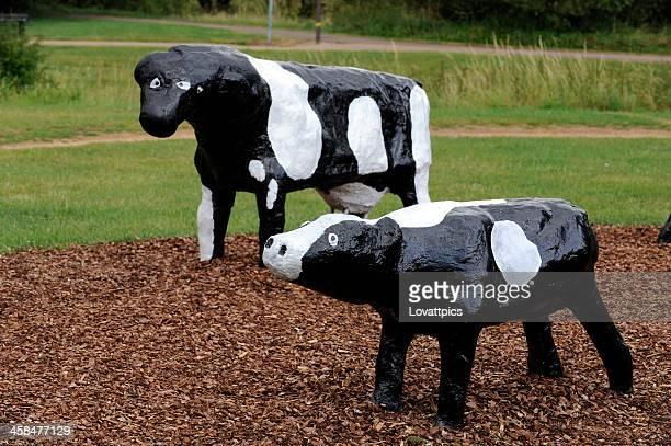 concrete cows, - milton keynes stock pictures, royalty-free photos & images