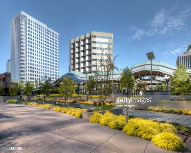 concrete sidewalk in industrial park, bellevue, washington, united states - industriegebiet stock-fotos und bilder