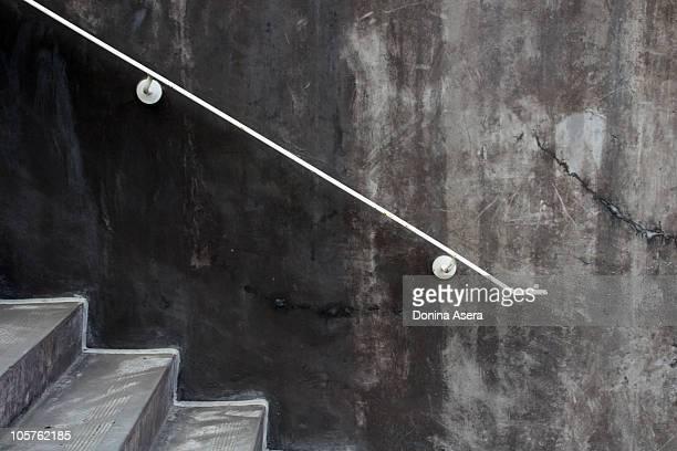 concrete steps - veiligheidshek stockfoto's en -beelden